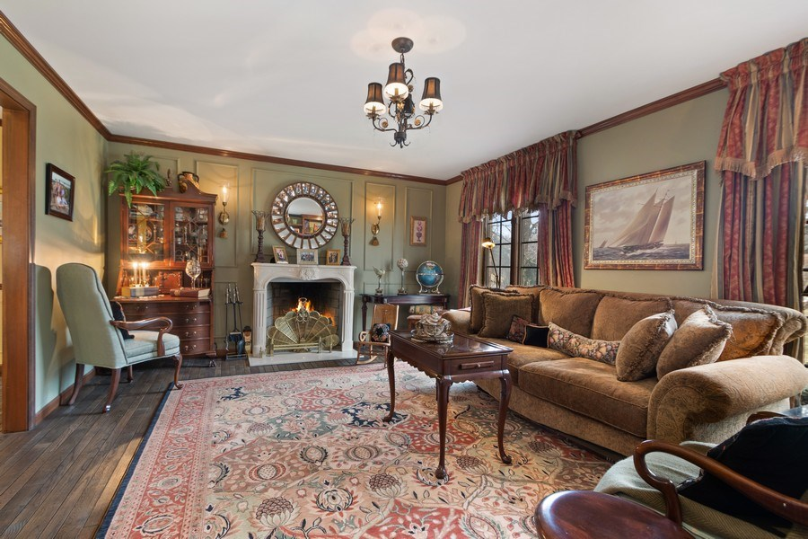 Real Estate Photography - 415 Butternut Trail, Frankfort, IL, 60423 - Living Room
