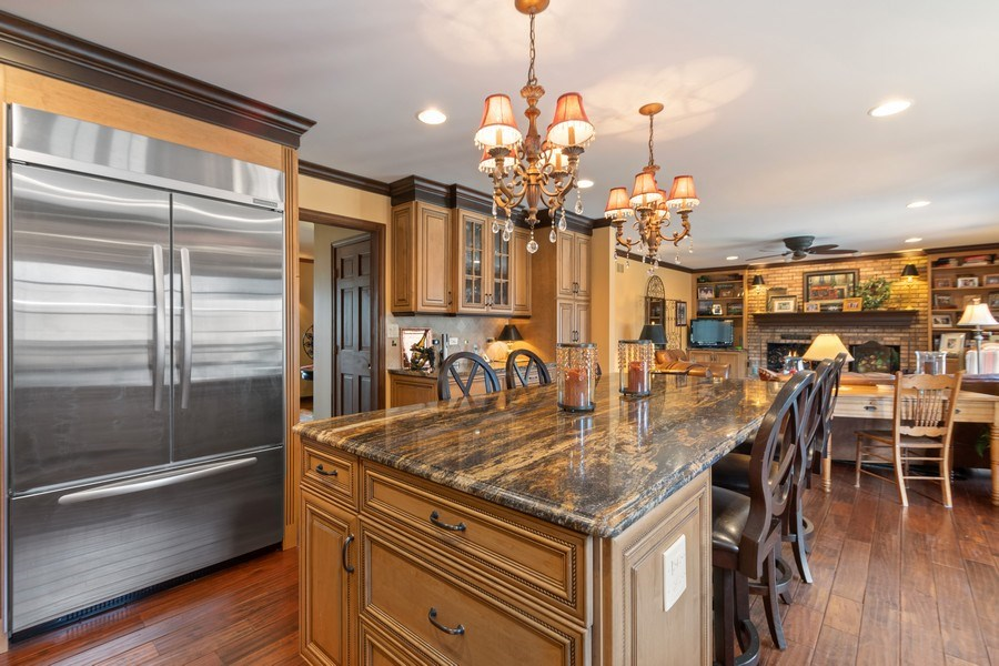 Real Estate Photography - 415 Butternut Trail, Frankfort, IL, 60423 - Kitchen