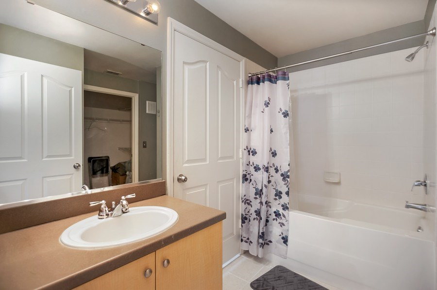 Real Estate Photography - 730 Siena Place, Apt 201, Kissimmee, FL, 34747 - Bathroom