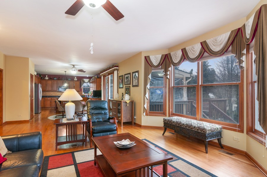 Real Estate Photography - 819 Farm Dr, West Chicago, IL, 60185 - Family Room