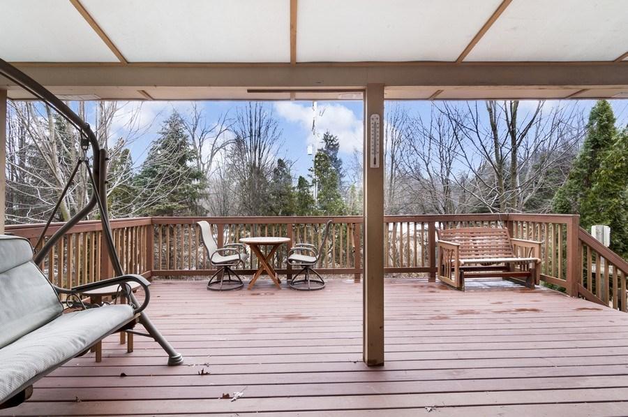 Real Estate Photography - 819 Farm Dr, West Chicago, IL, 60185 - Deck