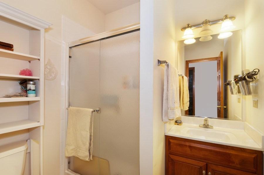 Real Estate Photography - 819 Farm Dr, West Chicago, IL, 60185 - Princess Suite Bathroom