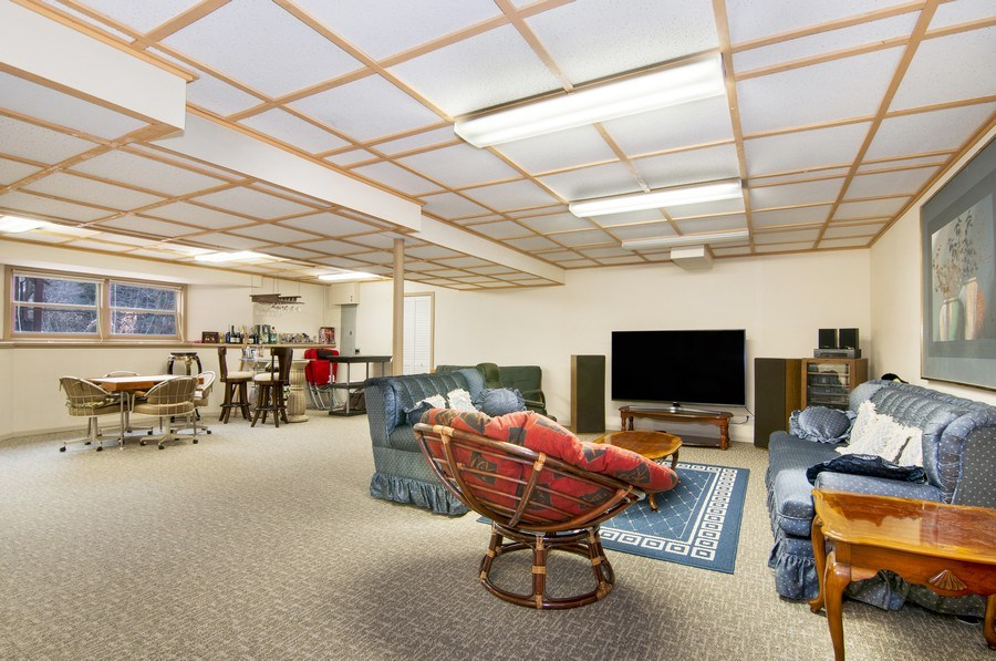 Real Estate Photography - 819 Farm Dr, West Chicago, IL, 60185 - Play / Recreational Room