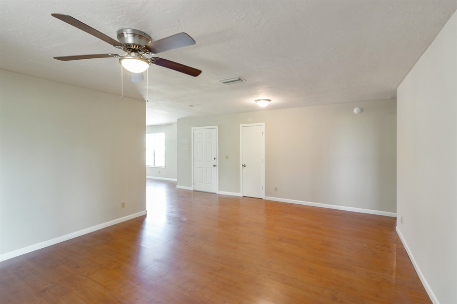 Real Estate Photography - 700 SAGINAW AVE., CLEWISTON, FL, 33440 - Foyer/Living Room