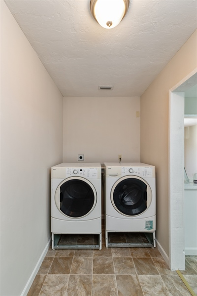 Real Estate Photography - 700 SAGINAW AVE., CLEWISTON, FL, 33440 - Laundry Room