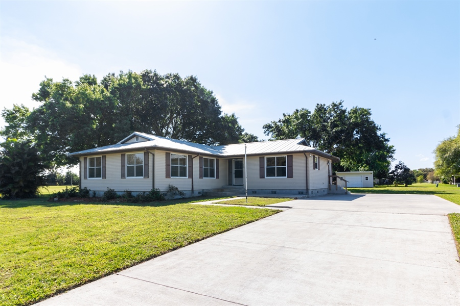 Real Estate Photography - 700 SAGINAW AVE., CLEWISTON, FL, 33440 - Front View