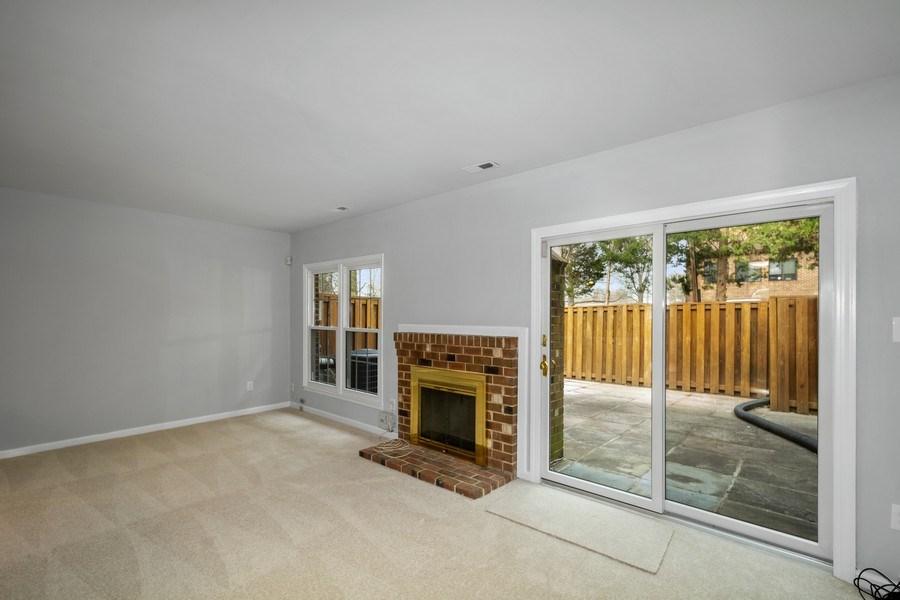 Real Estate Photography - 6929 Lafayette Park Dr, Annandale, VA, 22003 - Living Room