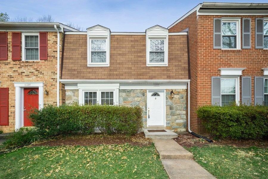 Real Estate Photography - 6929 Lafayette Park Dr, Annandale, VA, 22003 - Front View