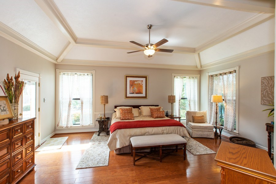 Real Estate Photography - 408 Fieldcreek Dr, Friendswood, TX, 77546 - Master Bedroom