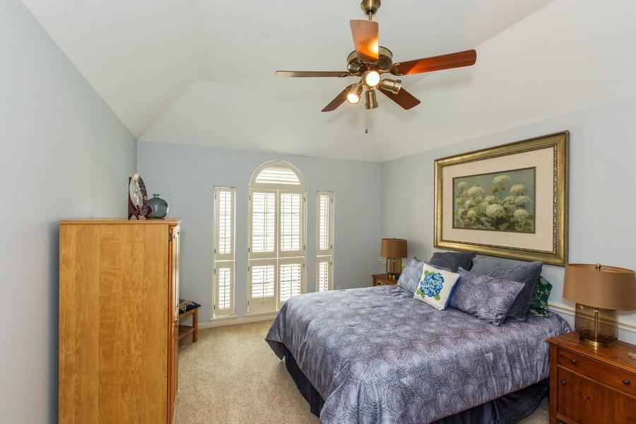 Real Estate Photography - 408 Fieldcreek Dr, Friendswood, TX, 77546 - 2nd Bedroom