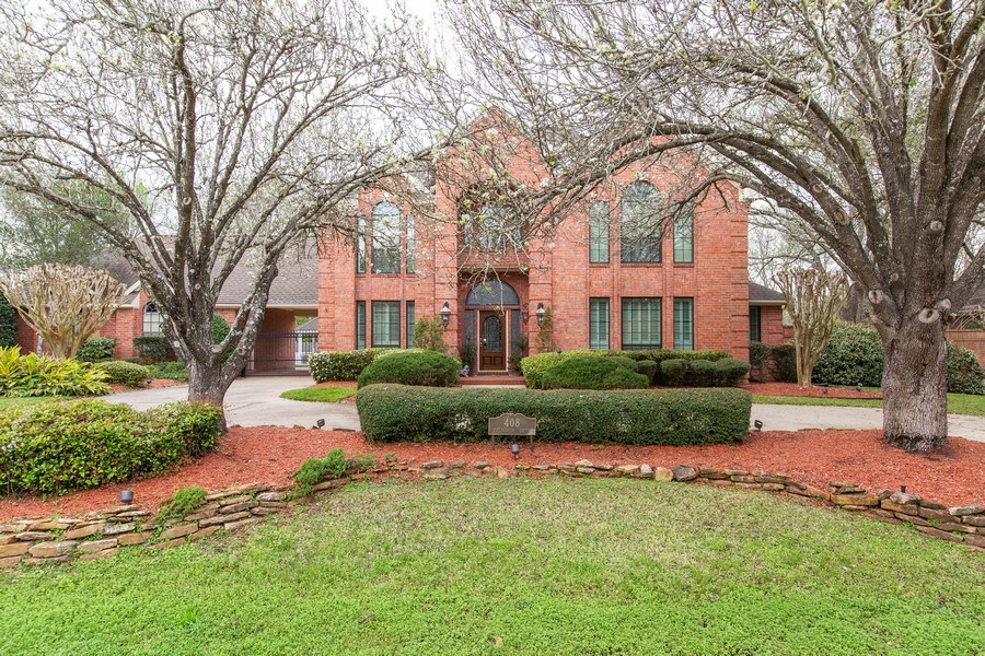 Real Estate Photography - 408 Fieldcreek Dr, Friendswood, TX, 77546 - Front View