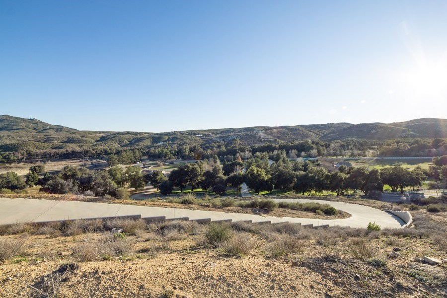 Real Estate Photography - 47298 Twin Pine Rd, Banning, CA, 92220 - Driveway