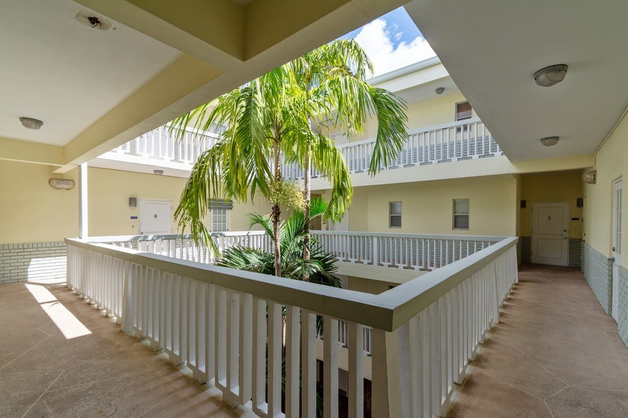 Real Estate Photography - 2420 SE 17th Street Cswy #308C, Fort Lauderdale, FL, 33316 - Atrium