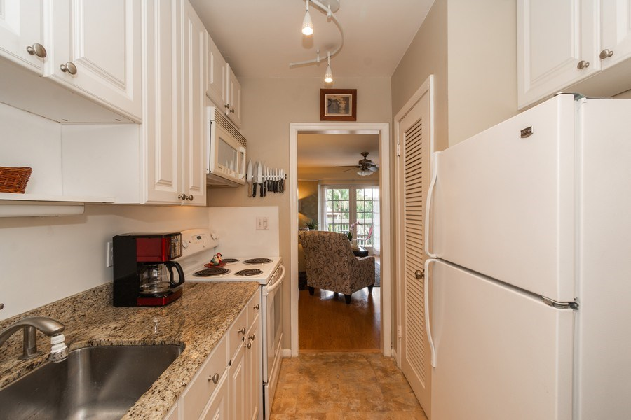 Real Estate Photography - 2420 SE 17th Street Cswy #308C, Fort Lauderdale, FL, 33316 - Kitchen