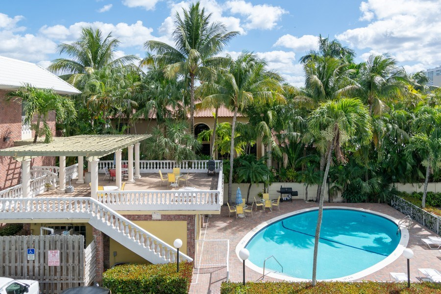 Real Estate Photography - 2420 SE 17th Street Cswy #308C, Fort Lauderdale, FL, 33316 - Pool