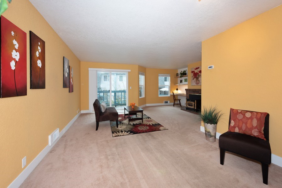 Real Estate Photography - 20620 60th Ave W #F, Lynnwood, WA, 98036 - Living Room/Dining Room