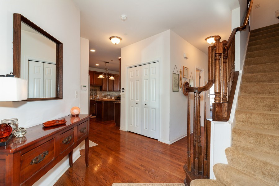 Real Estate Photography - 1020 Hickory Dr, Western Springs, IL, 60558 - Foyer