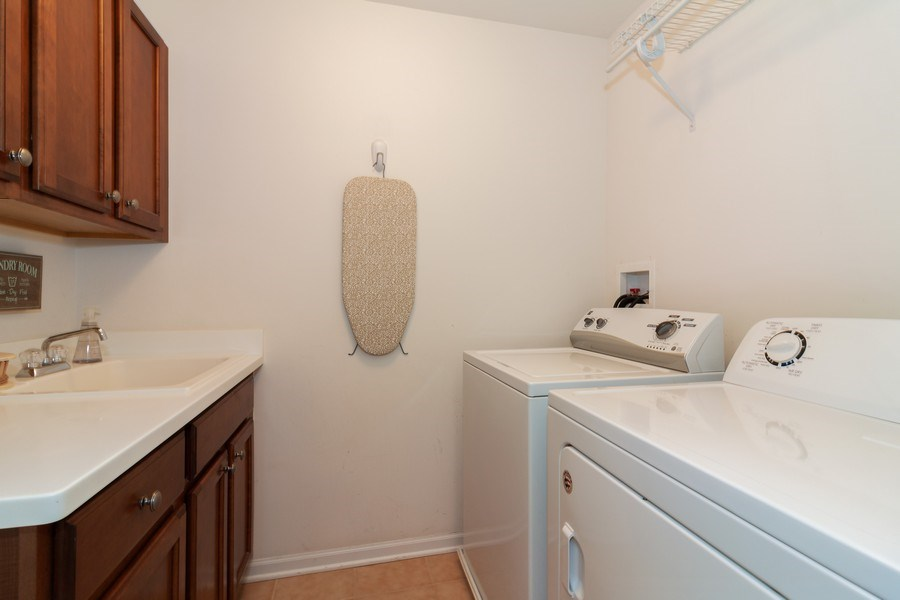Real Estate Photography - 1020 Hickory Dr, Western Springs, IL, 60558 - Laundry Room
