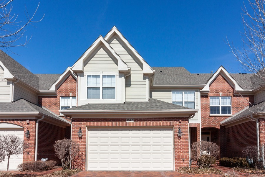 Real Estate Photography - 1020 Hickory Dr, Western Springs, IL, 60558 - Front View