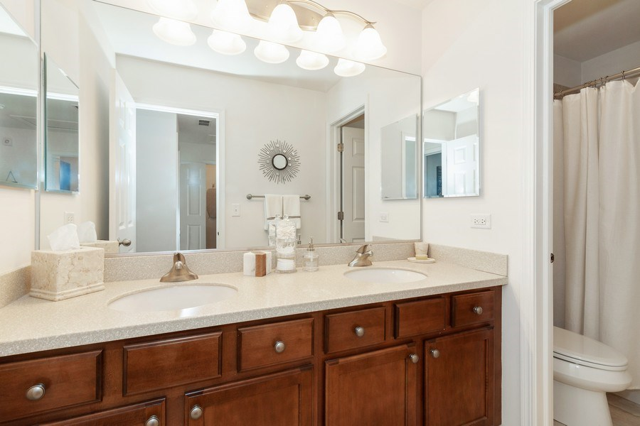 Real Estate Photography - 1020 Hickory Dr, Western Springs, IL, 60558 - Bathroom