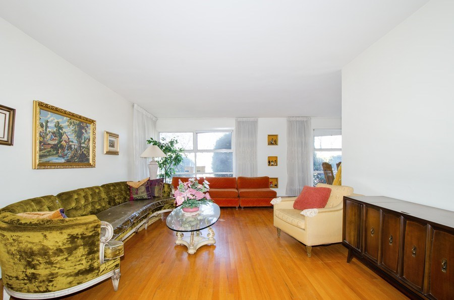 Real Estate Photography - 7407 N California Ave, Chicago, IL, 60645 - Living Room