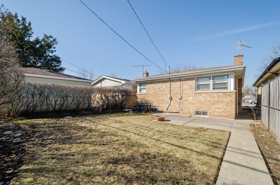 Real Estate Photography - 7407 N California Ave, Chicago, IL, 60645 - Back Yard