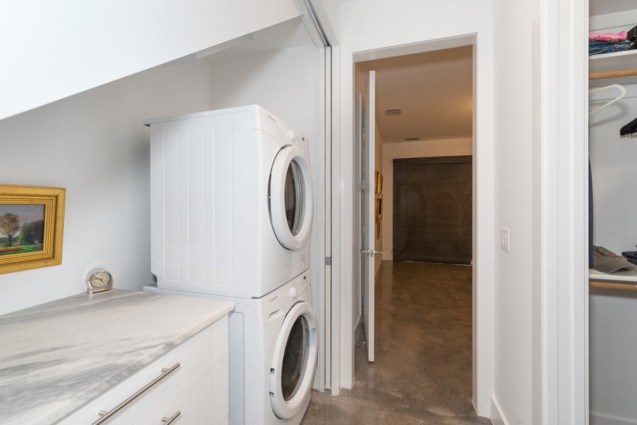 Real Estate Photography - 1922 Hammerlin Ave, Winter Park, FL, 32789 - Laundry Room