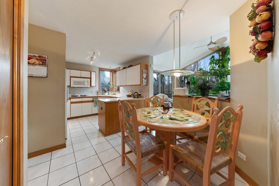 Real Estate Photography - 722 Feather Sound Dr, Bolingbrook, IL, 60440 - Kitchen / Breakfast Room