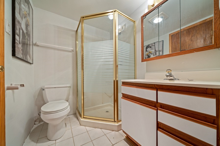 Real Estate Photography - 722 Feather Sound Dr, Bolingbrook, IL, 60440 - 2nd Bathroom
