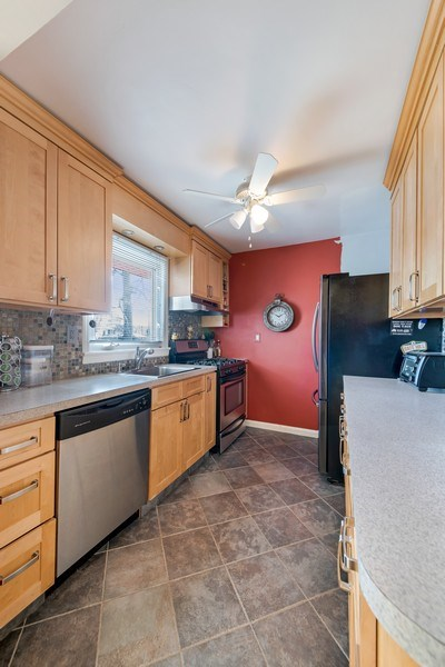 Real Estate Photography - 22 Capral Ln, New City, NY, 10956 - Kitchen