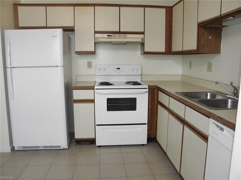 Real Estate Photography - 3415 Norfeld Ct, Virginia Beach, VA, 23453 - Location 9