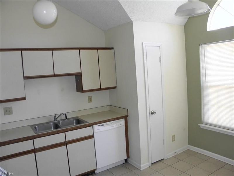 Real Estate Photography - 3415 Norfeld Ct, Virginia Beach, VA, 23453 - Location 11