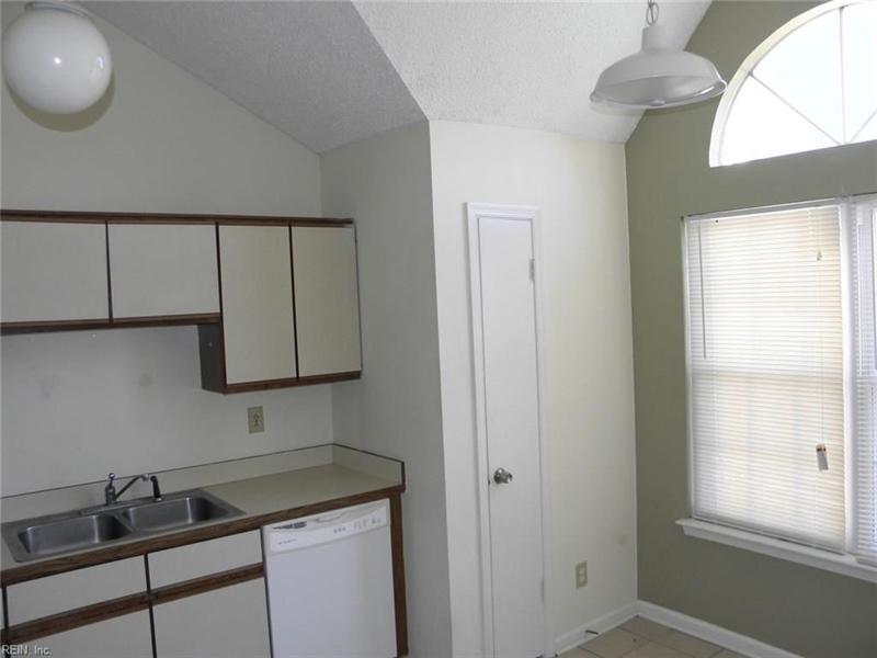 Real Estate Photography - 3415 Norfeld Ct, Virginia Beach, VA, 23453 - Location 13