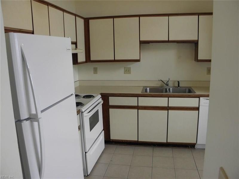 Real Estate Photography - 3415 Norfeld Ct, Virginia Beach, VA, 23453 - Location 14