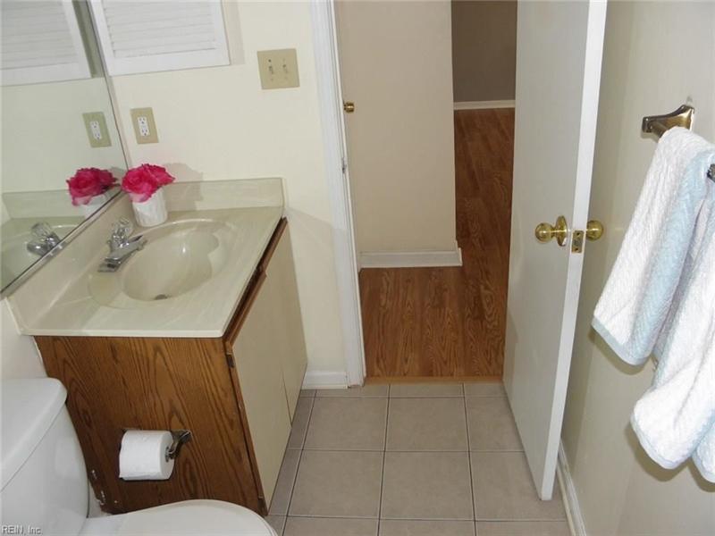 Real Estate Photography - 3415 Norfeld Ct, Virginia Beach, VA, 23453 - Location 16