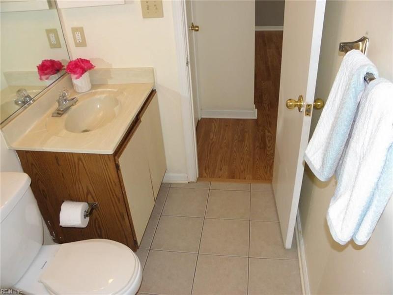 Real Estate Photography - 3415 Norfeld Ct, Virginia Beach, VA, 23453 - Location 20