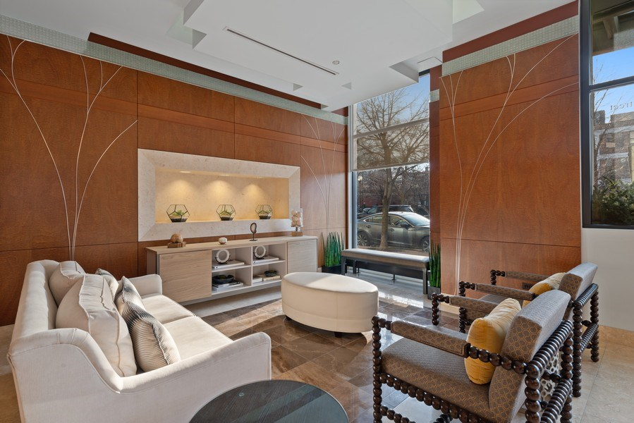 Real Estate Photography - 849 N Franklin, 917, Chicago, IL, 60610 - Lobby
