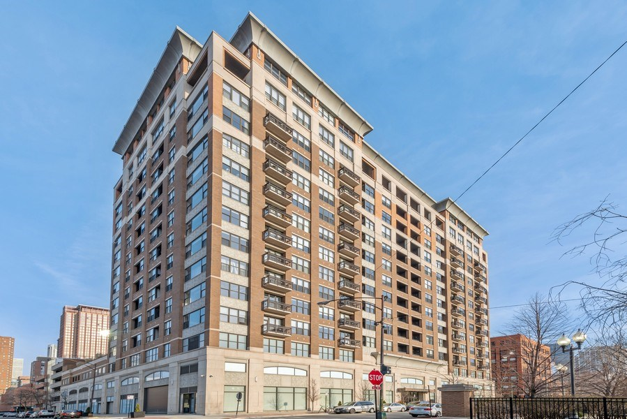 Real Estate Photography - 849 N Franklin, 917, Chicago, IL, 60610 - Front View