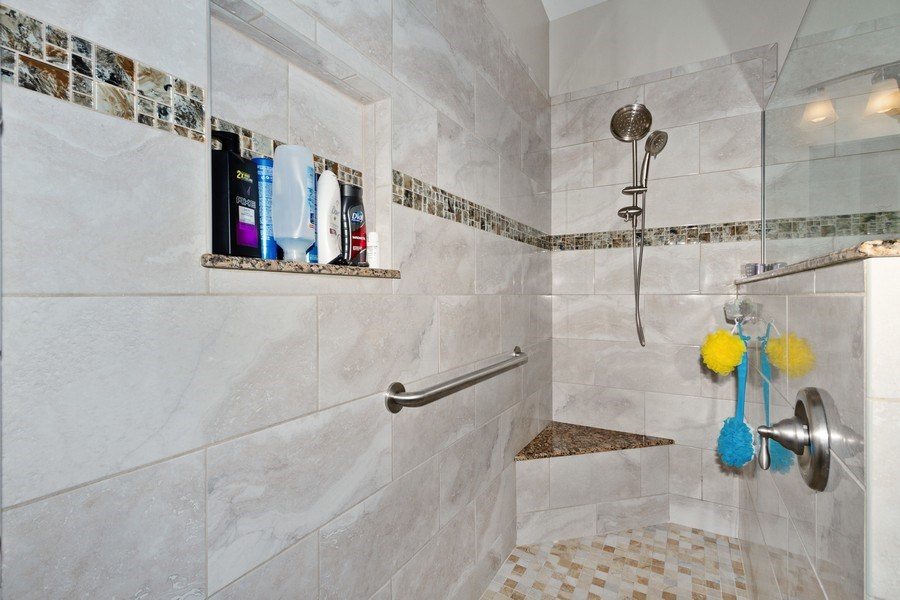 Real Estate Photography - 20841 Country Barn Dr, Estero, FL, 33928 - Master Bathroom