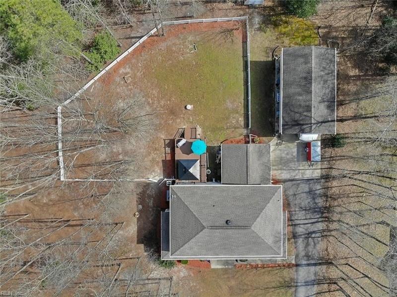 Real Estate Photography - 15785 Breezy Hill Ln, Smithfield, VA, 23430 - Location 6