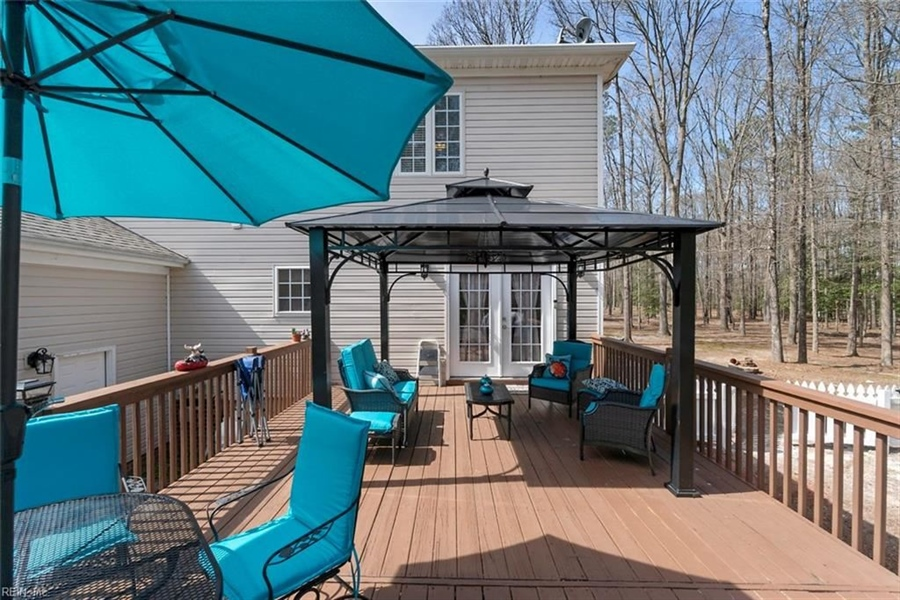 Real Estate Photography - 15785 Breezy Hill Ln, Smithfield, VA, 23430 - Location 7