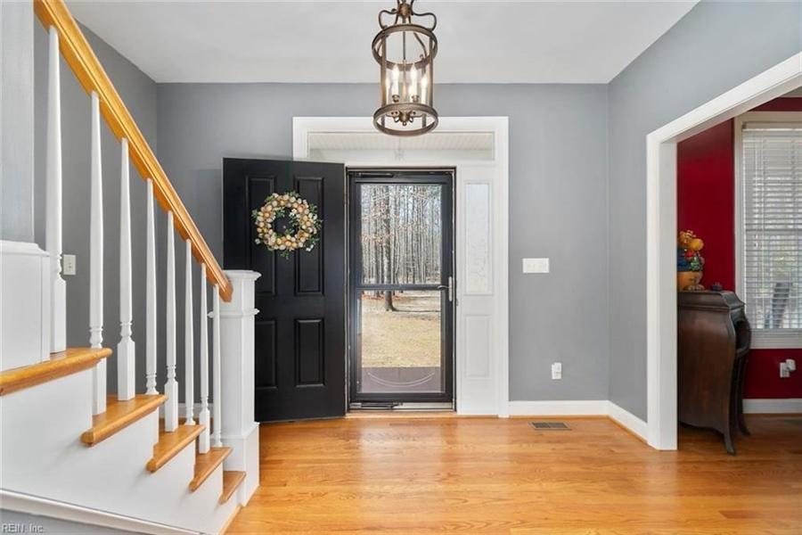 Real Estate Photography - 15785 Breezy Hill Ln, Smithfield, VA, 23430 - Location 8
