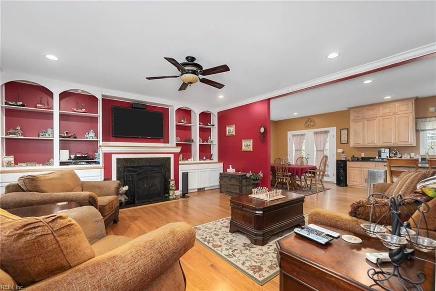 Real Estate Photography - 15785 Breezy Hill Ln, Smithfield, VA, 23430 - Location 9