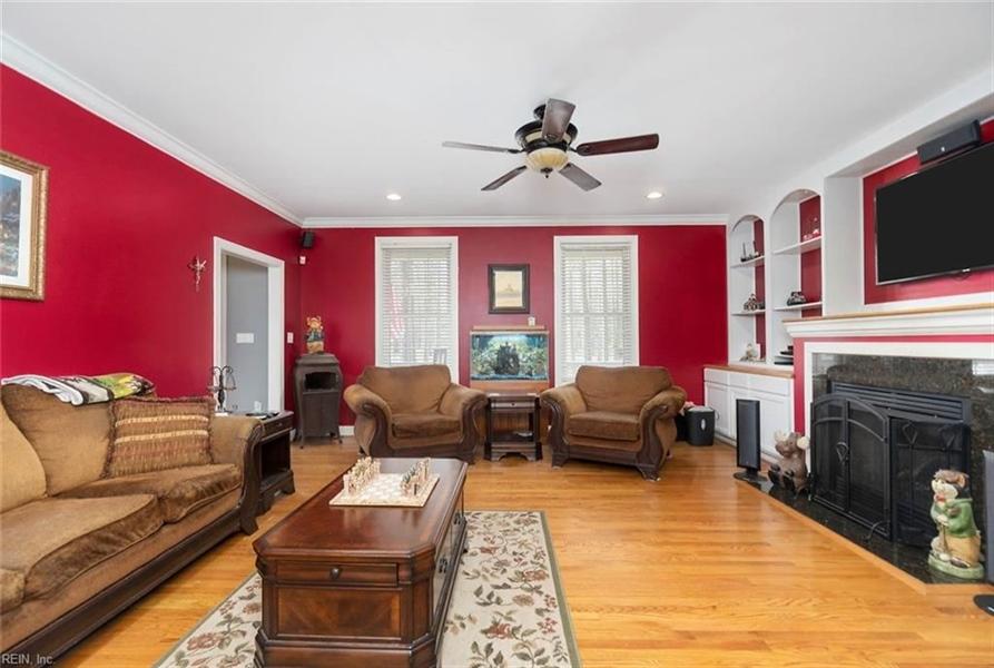 Real Estate Photography - 15785 Breezy Hill Ln, Smithfield, VA, 23430 - Location 10