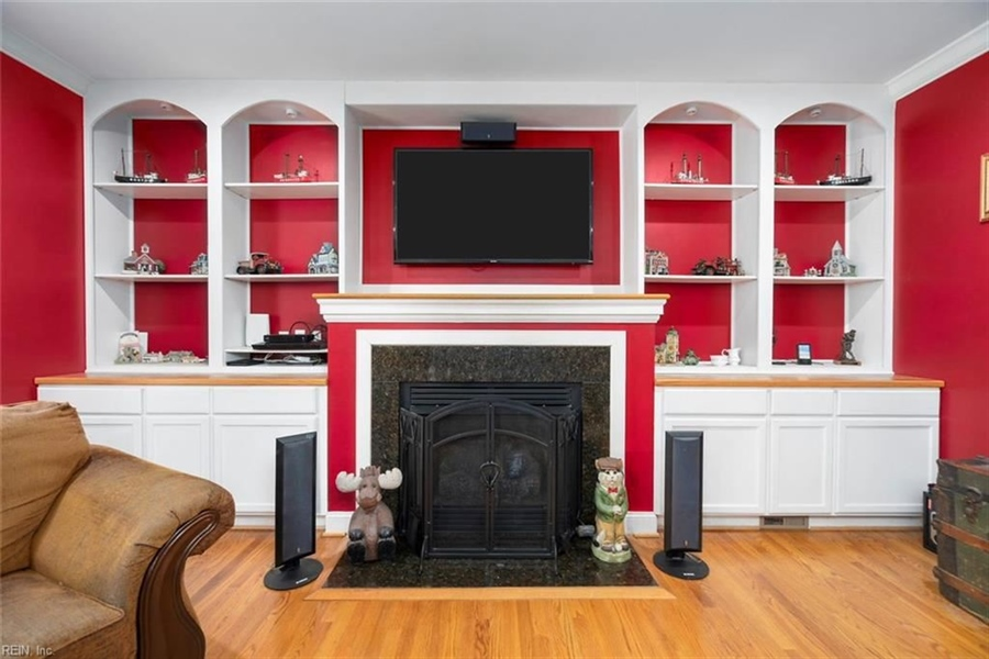 Real Estate Photography - 15785 Breezy Hill Ln, Smithfield, VA, 23430 - Location 11