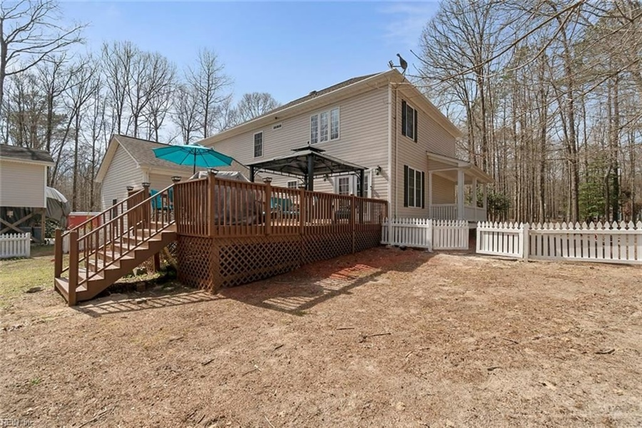 Real Estate Photography - 15785 Breezy Hill Ln, Smithfield, VA, 23430 -