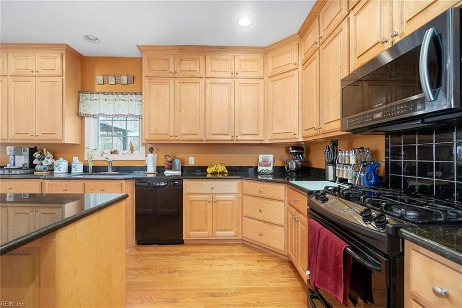 Real Estate Photography - 15785 Breezy Hill Ln, Smithfield, VA, 23430 - Location 14