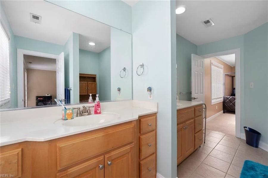 Real Estate Photography - 15785 Breezy Hill Ln, Smithfield, VA, 23430 - Location 29