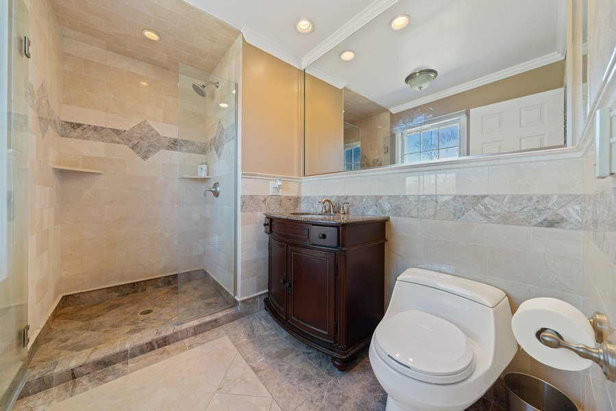 Real Estate Photography - 9 Ashbury Ln, Barrington Hills, IL, 60010 - Master Bathroom