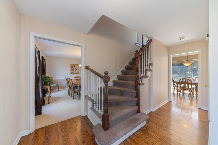 Real Estate Photography - 9 Ashbury Ln, Barrington Hills, IL, 60010 - Foyer